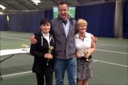 <h5>Meto Tennis womens finalists receive their award</h5>
