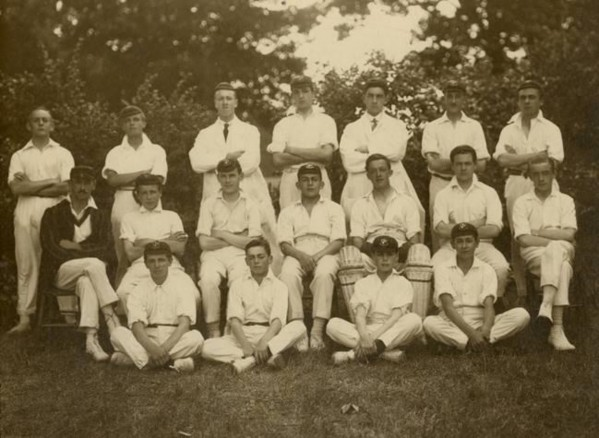 Wood Green County School (later Glendale School) Cricket Team c.1940s
